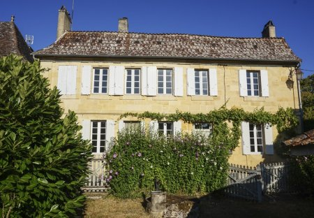 Villa in Lanquais, France