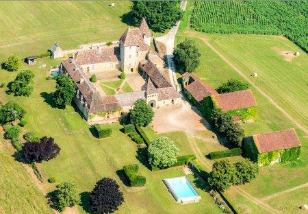 Chateau in Le Buisson-de-Cadouin, France