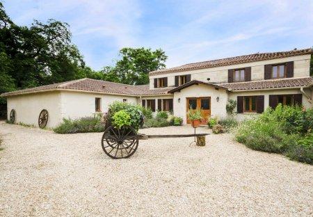 Villa in Montpon-Ménestérol Sud, France