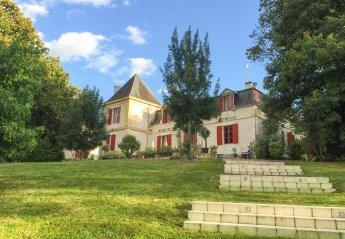 Chateau in France, Port-Sainte-Foy-et-Ponchapt