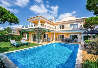 4 bedroom Villa for rent in Almancil
