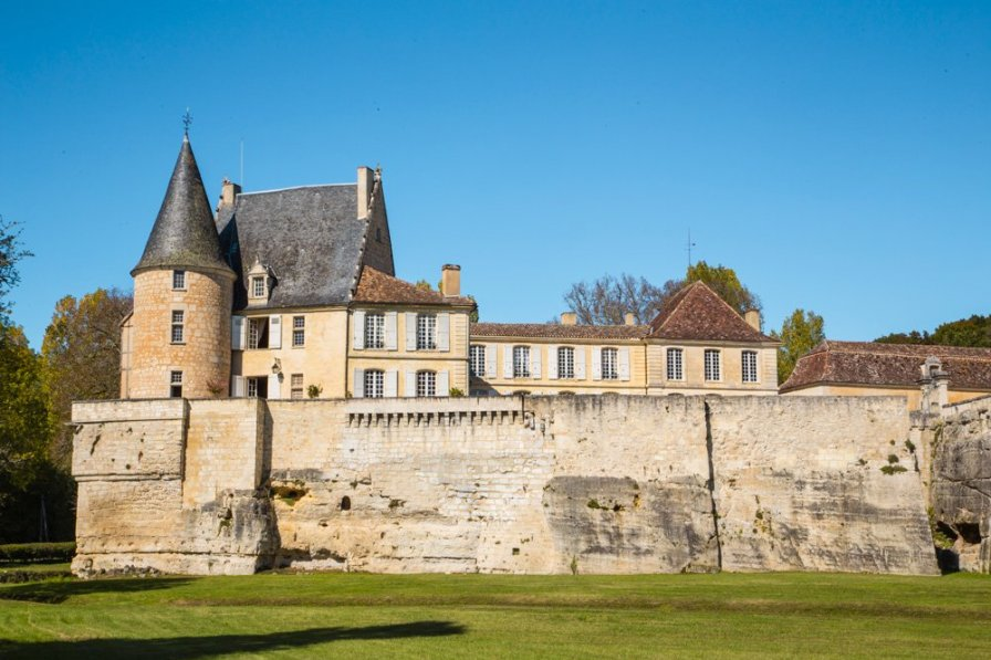 Chateau in France, Lamonzie-Montastruc