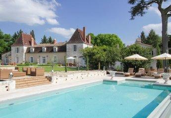 Chateau in France, Serres-et-Montguyard