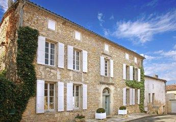 Villa in France, Pujols