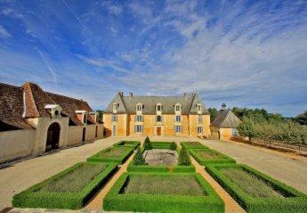 Chateau in France, Saint-Geyrac