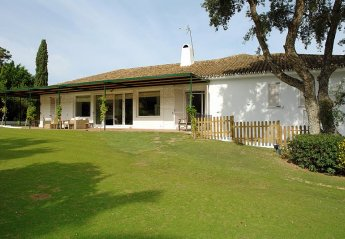 10 bedroom Villa for rent in San Roque