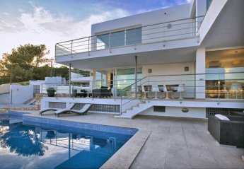 5 bedroom Villa for rent in Cala Tarida