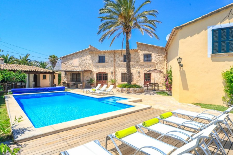 Villa To Rent In Pollensa Majorca With Private Pool 202453