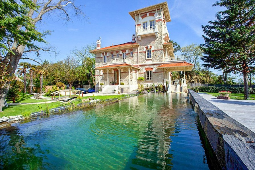 Villa in France, Lanton