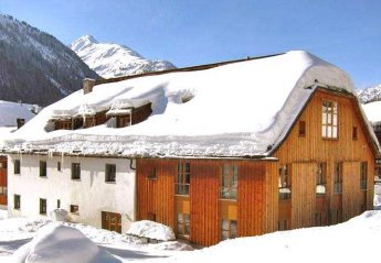 4 bedroom Chalet for rent in St. Anton