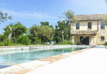 Villa in Italy, Cingoli