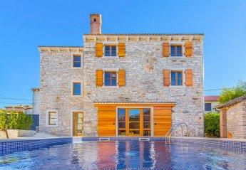 6 bedroom Villa for rent in Medulin