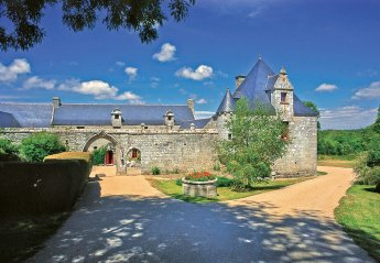 Chateau in France, Primelin