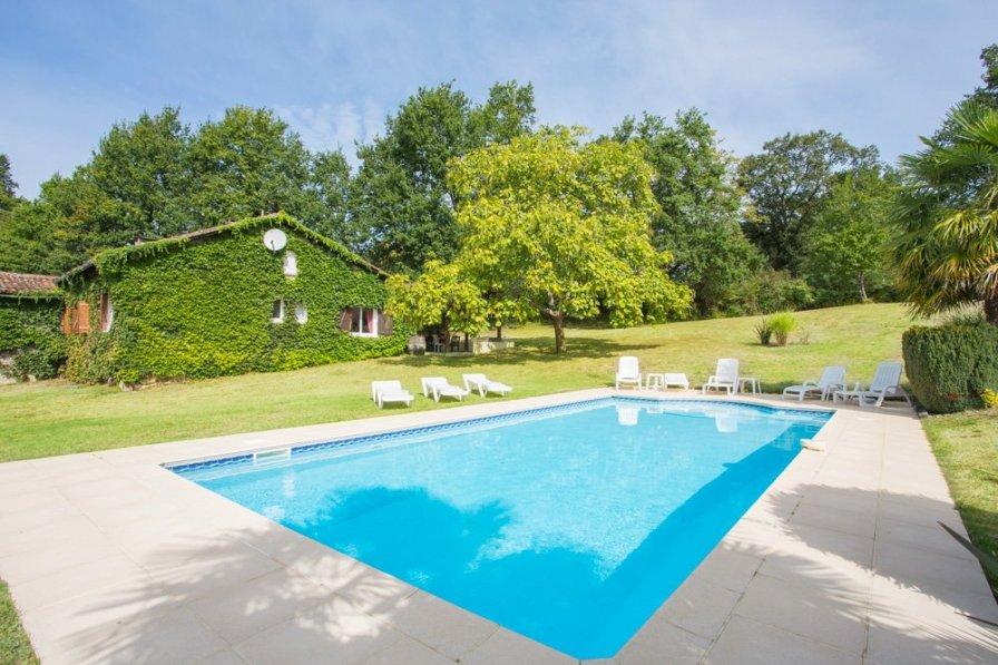 Villa in France, Panjas