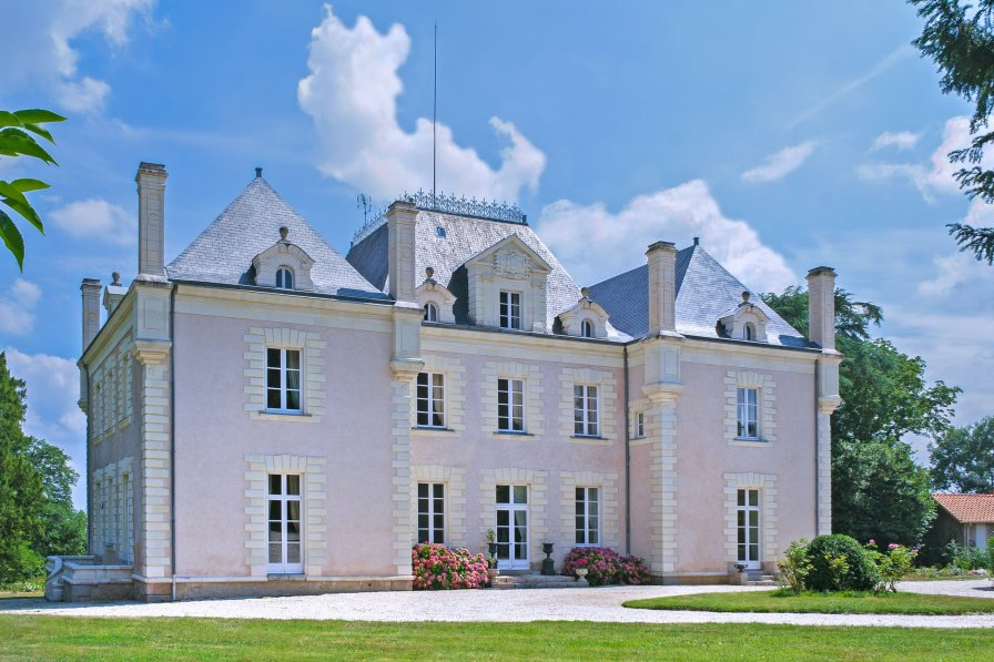 Chateau in France, La Haie-Fouassière
