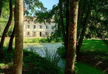 Chateau in France, Porte de Beaune