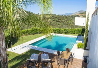 4 bedroom Villa for rent in Los Arqueros Golf and Country Club