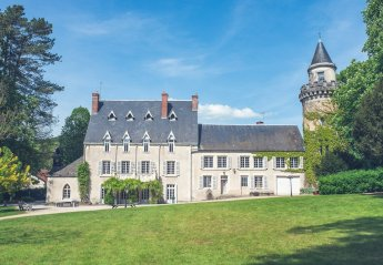 Chateau in France, Moloy