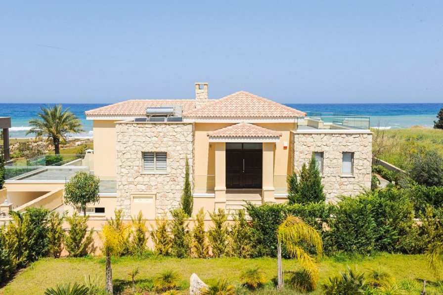 Harmonia Beach Villa