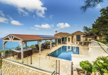 4 bedroom Villa for rent in Pomos