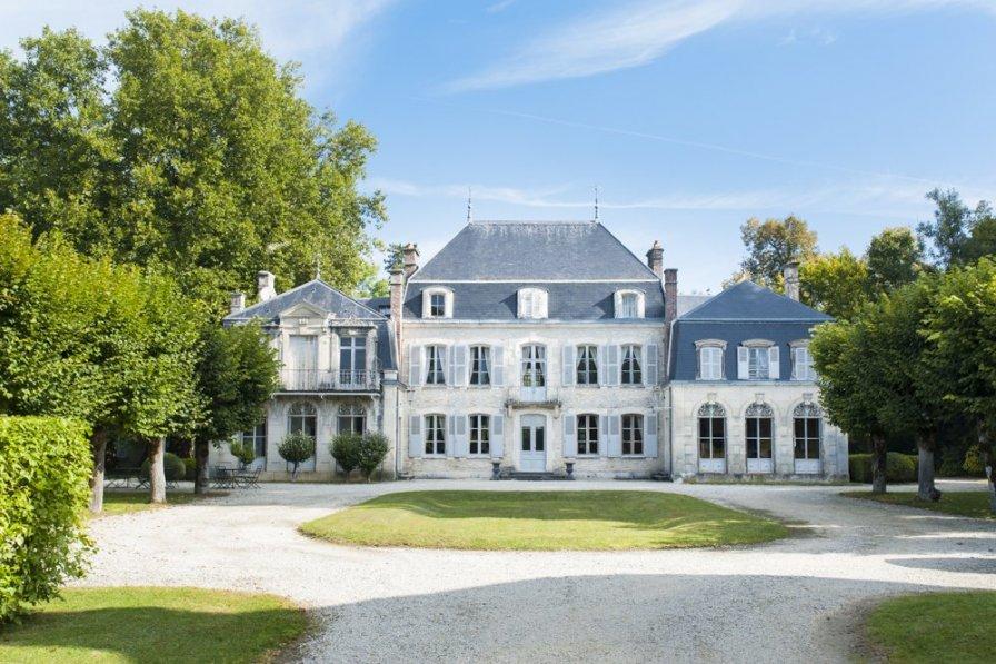 Chateau in France, Bar-sur-Seine