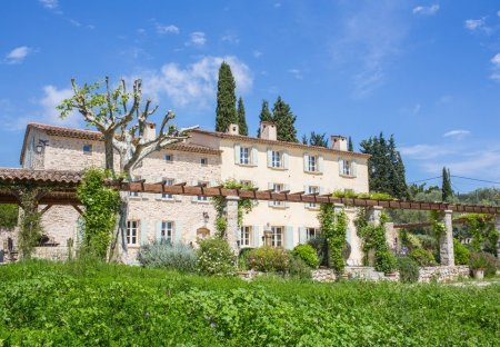Villa in Saint-Mathieu, the South of France