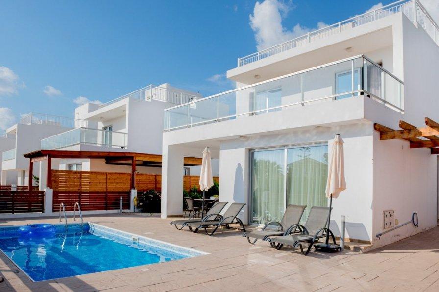 Coral Bay Villa 5
