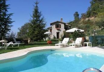 Villa in Italy, Gubbio Area: Picture 1
