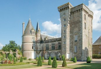 5 bedroom Chateau for rent in Fontenay le Comte