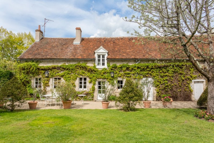 Villa in France, Clocheton-Croix de Pierre