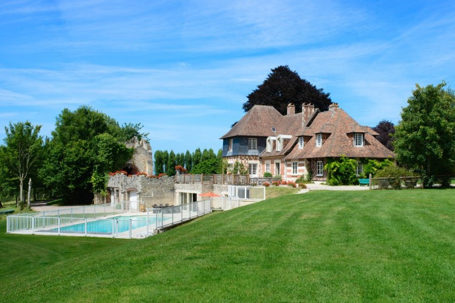 Chateau in France, Pennedepie