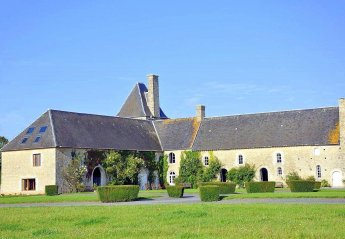 Chateau in France, Canchy