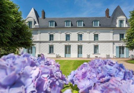 Chateau in Flancourt-Crescy-en-Roumois, France