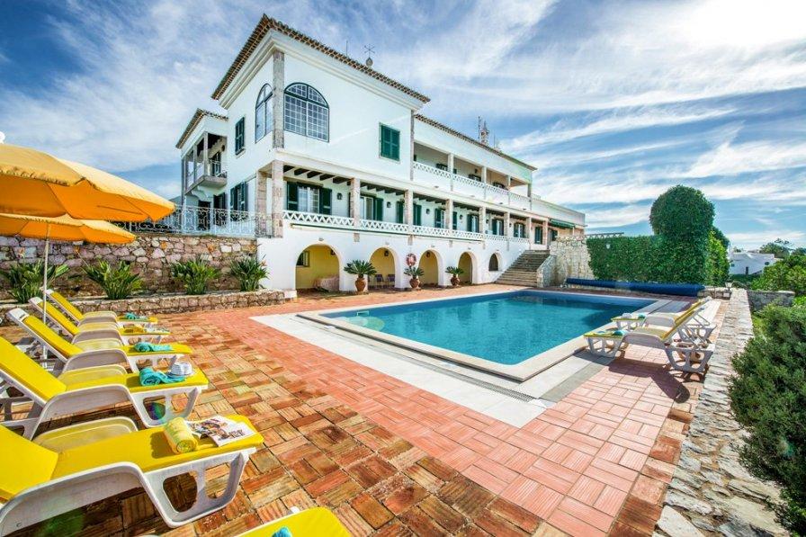 Villa To Rent In Ferragudo Algarve With Private Pool 202845