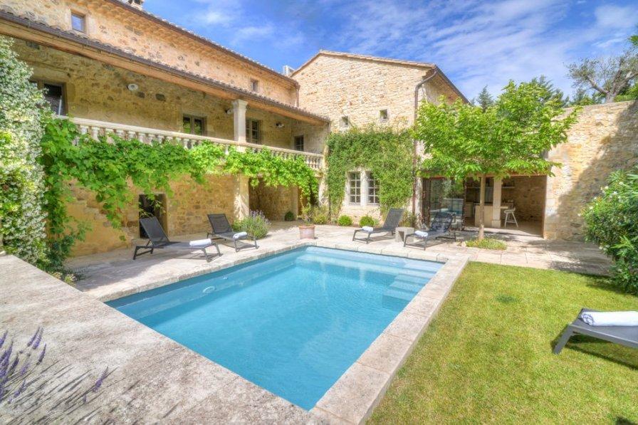 Villa in France, Bourdic