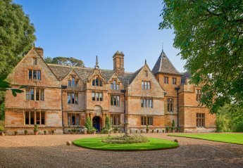 Chateau in United Kingdom, Northamptonshire