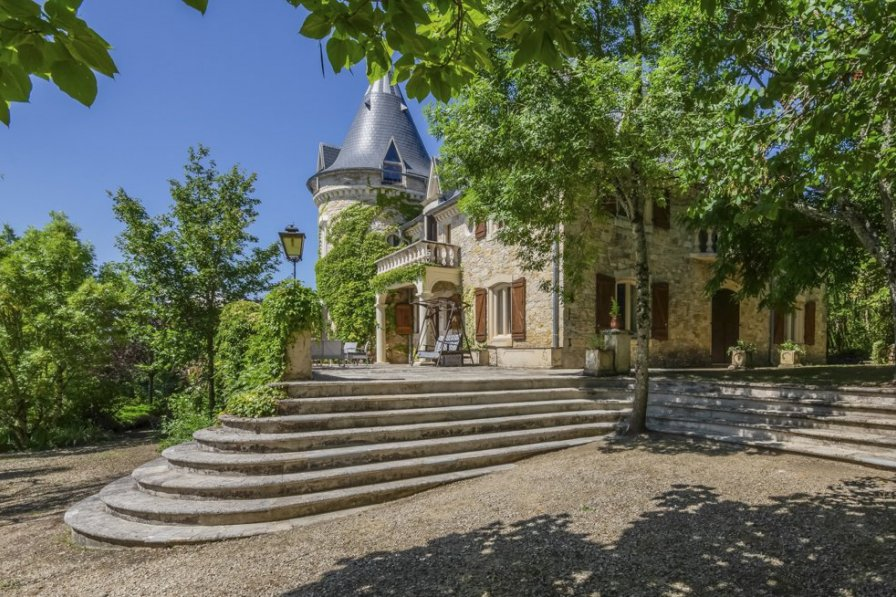 Chateau in France, Luzech