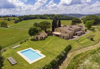 9 bedroom Villa for rent in Buonconvento