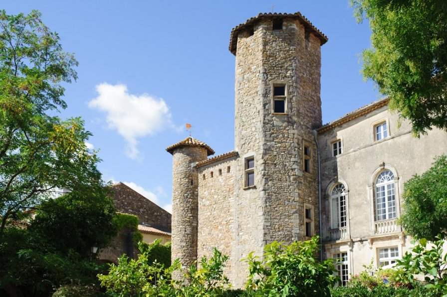Chateau in France, Cesseras