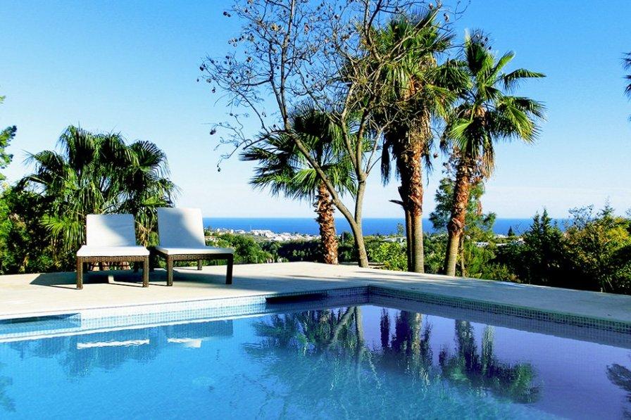 Frigiliana Villas With Pools