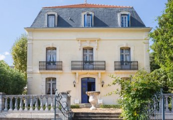 Villa in France, Combes