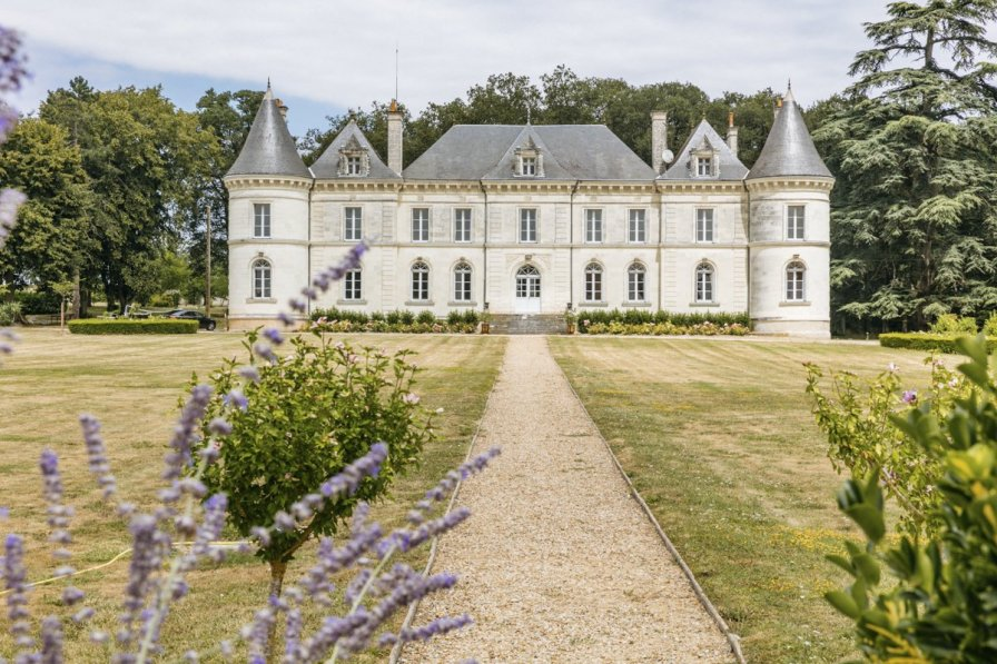 Chateau in France, Cernay