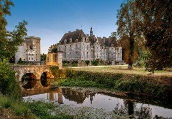 Chateau in France, Saint-Loup-Lamairé