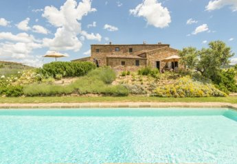 6 bedroom Villa for rent in Pienza