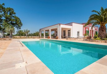 7 bedroom Villa for rent in Monopoli