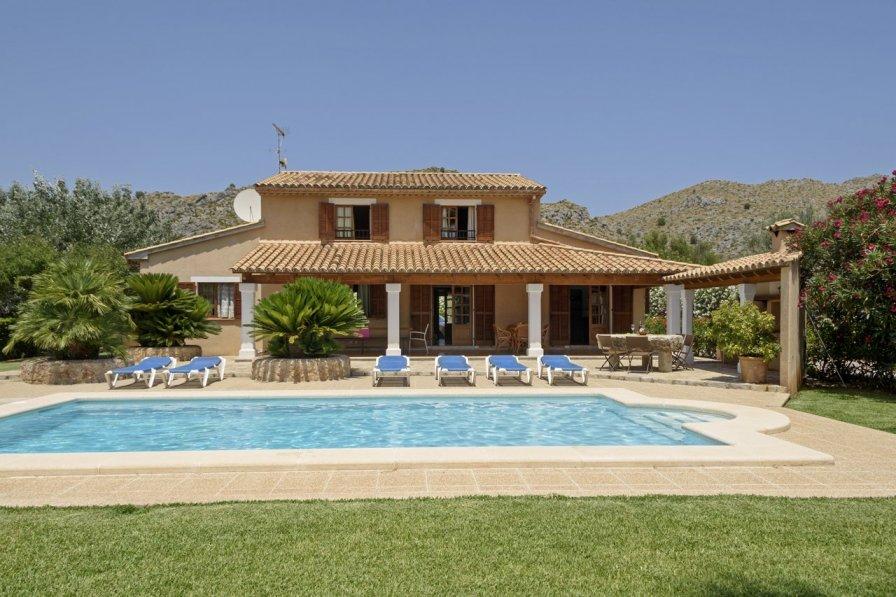 Pollensa Villa With Private Pool