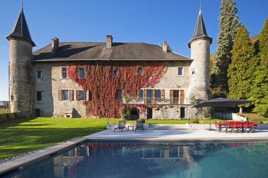 Chateau in France, Saint-Pierre-d'Albigny