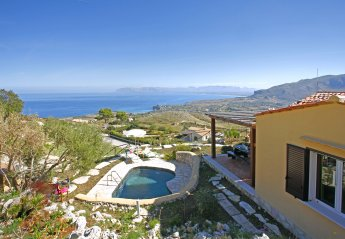 2 bedroom Villa for rent in Scopello