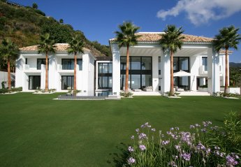 5 bedroom Villa for rent in Benahavis