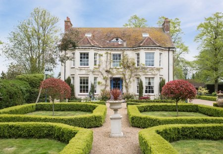 Chateau in Tyringham And Filgrave, England